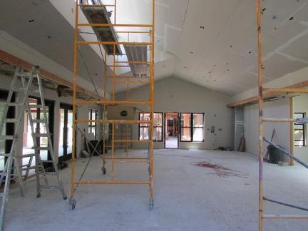 Scaffolding in the new sala