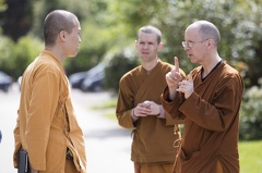 Ajahn Ahimsako speaking to Tan Narindo