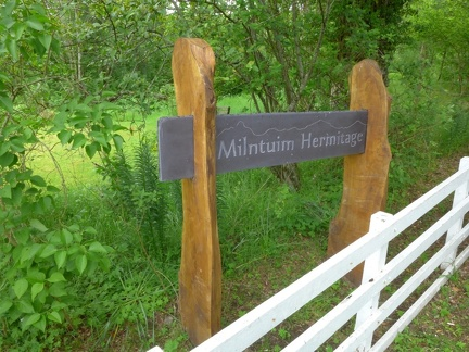 Milntuim Hermitage - a place primarily where sīladharā and anagārikās can live in a female community - men are welcome too