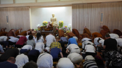 Before the Dhamma Talk
