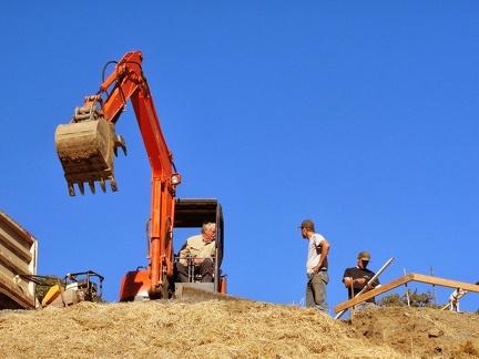 Q10 digging retaining wall