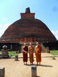 009) Aj. Yatiko, Aj. Sannyamo & Aj. Sukhito in Sri Lanka