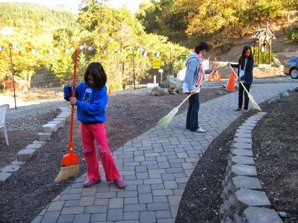 117) Kids Sweeping on Kathina Day