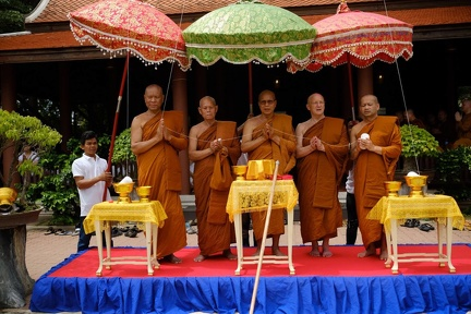 Luang Por Pasanno, Luang Por Jundee and other senior monks at a blessing ceremony