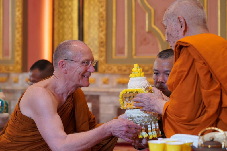 Paying respects to the Supreme Patriarch