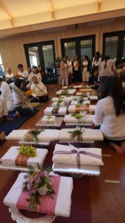 Many beautiful offerings of Kathina cloth
